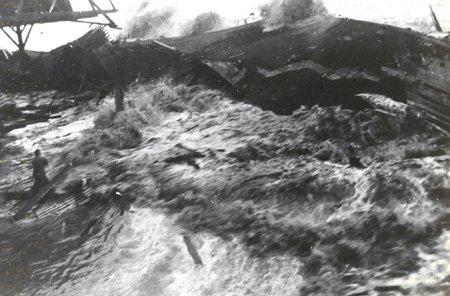 Maui Tsunami Pictures Hilo 1946 Wave